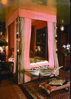 Tony Duquette Dawnridge Bedroom2