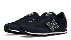 05a7e49aff36 New Balance 410 Femme Homme De Sport Bleu Et Blanc Pas Cher New Balance 410  Femme