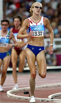 Paula Radcliffe of Great Britain at the Athens Olympics Paula Radcliffe, Running Guide, Daily Burn, Sports Personality, Long Jump, Sports Women, Female Sports, Fastest Man, Marathon Running