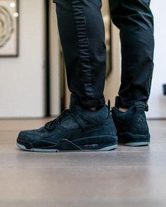 KAWS Jordan 4 Friends And Family | SneakerNews.com