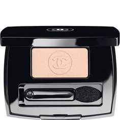 Celebrities who wear, use, or own Chanel Soft Touch Eyeshadow. Also discover the movies, TV shows, and events associated with Chanel Soft Touch Eyeshadow. Chanel Eyeshadow, Shimmer Eyeshadow, Chanel Makeup, Eyeshadow Brushes, Eyeshadow Makeup, Eyeliner, Chanel Beauty, Chanel Chanel, Beauty Bar