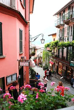 Bellagio, Lake Como. Such a beautiful setting on the lake would love to go back again!