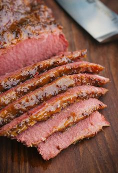 Beer Braised Corned Beef with Whiskey Mustard Glaze Smoker Cooking meat smoker edmonton Corned Beef Brisket, Baked Corned Beef, Corned Beef Sandwich, Corned Beef Recipes, Meat Recipes, Cooking Recipes, Yummy Recipes, Recipies, Quick Recipes