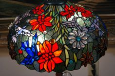 """16""""W Zinc Base Big Flowers Hummingbird Stained Glass Tiffany Style Table Lamp"""