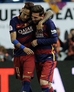 """Barcelona's Argentinian forward Lionel Messi (R) and Barcelona's Brazilian forward Neymar embrace at the end of the Spanish """"Copa del Rey""""… Fc Barcelona Neymar, Barcelona Soccer, Messi And Neymar, Messi Soccer, Football Love, Football Is Life, Real Madrid, Fc Barcalona, Lionel Messi Wallpapers"""