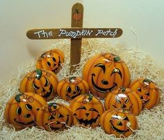Oh how cool!  A pumpkin patch of painted river rocks!  L♥VE!