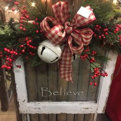 Wonderful Christmas Window Decor Ideas 16 - New Ideas Christmas Picture Frames, Christmas Signs, Christmas Pictures, Rustic Christmas, Christmas Holidays, Christmas Wreaths, Christmas Windows, Primitive Christmas, Xmas Crafts