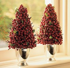 DIY Topiary Centerpieces | How to Make a Jolly Holiday Topiary | DIY Home Staging Tips