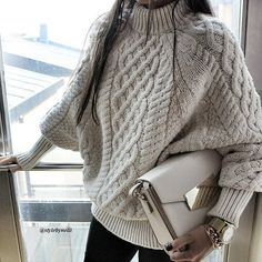 """5,358 Likes, 97 Comments - STYLE BY NELLI (@stylebynelli) on Instagram: """"Another Day in this gorgeous Chunky Knit fr @mumshandmade ♥ #stylebynelli #knit #knitwear #cozy…"""""""