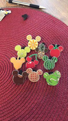 Disney Assorted Fruits & Veggie Pins on Mercari - Informationen zu Disney Assorted Fruits & Veggie Pins on Mercari Pin Sie können mein Profil ganz e - Walt Disney, Disney Merch, Disney Cute, Disney Ears, Disney Food, Disney Style, Disney Mickey, Disney Pin Trading, Disney Fanatic