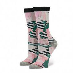 Socken mit zurückhaltendem Tribal Design und Streifen in altweiß meliert und rosa/orange