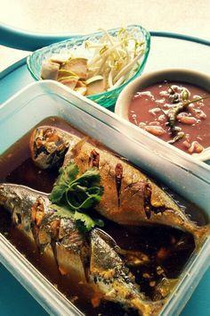 น้ำพริก ปลาทูต้มเค็ม ผักดอง♥ Thai food