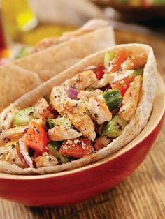 Slow-cooker Greek Chicken Pita Folds and other delicious crock pot recipes- i love pitas! Crock Pot Recipes, Slow Cooker Recipes, Cooking Recipes, Healthy Recipes, Healthy Foods, Chicken Recipes, Yummy Recipes, Crockpot Meals, Cooking Tips