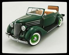 1936 Ford DeLuxe Cabriolet Apple Green 1:24 Scale Die Cast Car by Franklin Mint…
