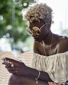 Big glasses summer fashion  Stylish outfit ideas for women who love fashion!