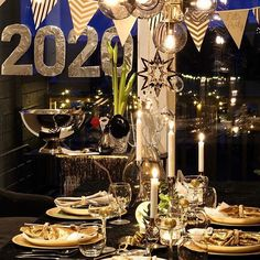 🌵Nordic Interior & DIY (@benedictehn) • New years table •  new year tablescape •  nyttårsbord •  nyttårsaften •  nordic style •  tablescapes •  table decor • party decor •  celebration New Year Table, Nordic Interior, Nordic Christmas, Nordic Style, Tablescapes, Table Settings, Table Decorations, Celebrities, Party
