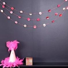 No-Glue, No-Sew Paper Dot Garland