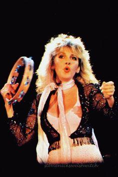 I adore Stevie Nicks, Bob Dylan, The Beatles, cats, and old Hollywood movies. Members Of Fleetwood Mac, Buckingham Nicks, Stephanie Lynn, Stevie Nicks Fleetwood Mac, Women Of Rock, Female Singers, Role Models, My Idol, Rock And Roll