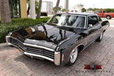 1969 Chevrolet Impala SS Love them hideaways ! Chevrolet Impala, Chevrolet Tahoe, 1969 Chevy Impala, Classic Trucks, Classic Cars, Le Mans, Caprice Classic, Us Cars, Race Cars
