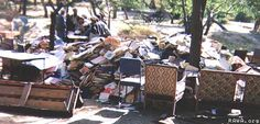 Kabul, 1993: The vandal jehadi groups related to Ahmad Shah Masoud piled books in order to set them ablaze in Kabul University