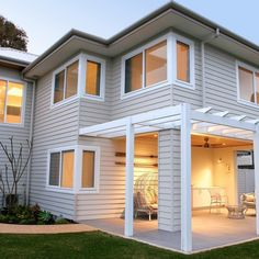 Is there anything better than sunset vibes and a beach house? bring this coastal home to life with Scyon Linea weatherboards. Click the bookmark tab below to save this look! Hamptons Style Homes, Hamptons House, The Hamptons, Exterior Cladding, Wall Cladding, Coastal Homes, Coastal Living, Residential Architecture, Architecture Design