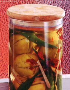 Indian Recipe Tips Pickeling Recipes, Indian Food Recipes, Vegetarian Recipes, Cooking Recipes, Recipe Tips, Indian Pickle Recipe, Chai Recipe, Paratha Recipes, Fried Fish Recipes