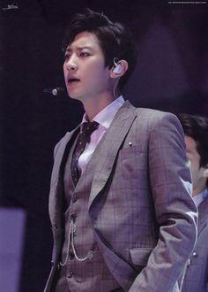 Chanyeol - 180901 Exoplanet - The EℓyXiOn in Seoul DVD postcard Credit: Broom. Foto Chanyeol Exo, Chanyeol Cute, Exo Kai, Kyungsoo, Exo Ot12, Chanbaek, Exo Album, Exo Concert, Kim Junmyeon