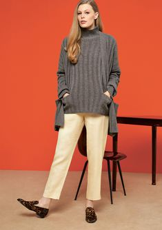 efficiency, and productivity are important. So are and Specializing in in the segment Cashmere stands for and articles as well as for a strong sense of with respect to correct conditions Black Leather Mini Skirt, Skirt And Sneakers, Colored Pants, Cashmere Cardigan, Autumn Fashion, Women Wear, Trousers, Normcore, Turtle Neck