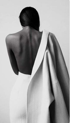Studio Photography Poses, Self Photography, Fashion Photography Poses, Fashion Poses, Portrait Photography, Photographie Portrait Inspiration, Shooting Photo, Jolie Photo, Female Portrait