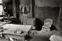 Shorpy Historical Photo Archive :: The Cat in the Kitchen: 1935