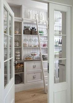 30 + Awesome Dream Kitchen Design and De . - Awesome Dream Kitchen Design and Decor Ideas – Each of us has different needs and material op - French Country Rug, French Country Kitchens, Farmhouse Style Kitchen, Modern Farmhouse Kitchens, French Country Decorating, Home Kitchens, Kitchen Country, Farmhouse Decor, Small Kitchens
