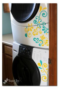 Laundry Room mini makeover, vinyl stickers on the washer and dryer - Sugar Bee Crafts