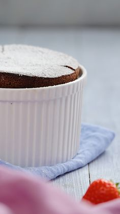 Cheats Chocolate Soufflé The only chocolate soufflé recipe you'll ever need!<br> The only chocolate soufflé recipe you'll ever need! Easy Desserts, Delicious Desserts, Yummy Food, Yummy Drinks, Baking Recipes, Cake Recipes, Dessert Recipes, Snacks Recipes, Paleo Dessert