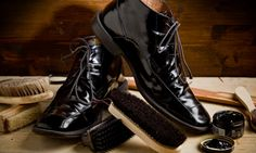 Give new life, shine and looks to your old and expensive shoe with the best #ShoeShineServices of Melbourne, Evans.