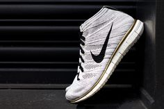 """Image of A Closer Look at the Nike Free Flyknit Chukka """"Gold Hypervenom"""""""