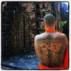 Sak Yant Tattoo - Whar prah Singh Temple - @jo_asilohm | Webstagram