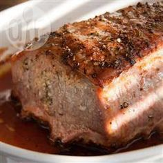 Suculento y fragante. Lomo de cerdo con ajo, romero y vino blanco.
