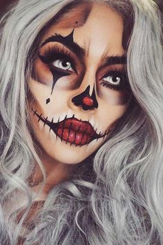 39 Sexy Halloween Makeup Looks That Are Creepy Yet Cute Sexy Halloween Make-up Looks, die gruselig und doch süß sind ★ See more: . Cute Halloween Makeup, Halloween Makeup Looks, Up Halloween, Cute Clown Makeup, Halloween Parties, Creepy Clown Makeup, Zombie Makeup, Halloween Decorations, Halloween Recipe