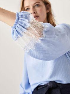 Kurta Designs, Blouse Designs, Kurti Sleeves Design, Sleeves Designs For Dresses, Stylish Dress Designs, Stylish Dresses, Fashion Sewing, Girl Fashion, Fashion Outfits