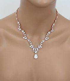 Hochzeitssuite Kulisse-Halskette Rose Gold von TheExquisiteBride