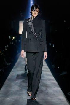 Givenchy Fall 2019 Ready-to-Wear Fashion Show - Vogue Suit Fashion, Love Fashion, High Fashion, Winter Fashion, Fashion Looks, Fashion Outfits, Givenchy, Black Women Fashion, Womens Fashion For Work