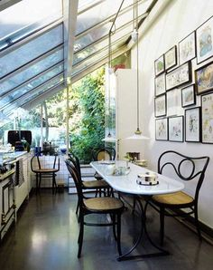 Andree PUTMAN's airy kitchen.