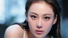 Zhang Xin Yu (张馨予)