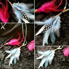 Joli sautoir plumes de couleur bleues