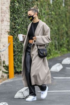 Winter Mode Outfits, Winter Fashion Outfits, Fashion Weeks, Look Fashion, Fall Outfits, Winter Fashion Street Style, Heels Outfits, Autumn Street Style, Fashion Women