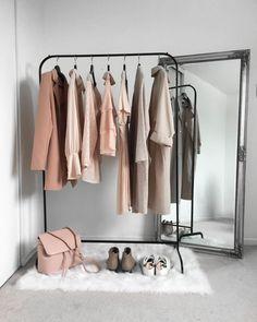35 Amazingly Pretty Shabby Chic Bedroom Design and Decor Ideas - The Trending House Room Ideas Bedroom, Diy Bedroom Decor, Home Decor, Minimalist Closet, Aesthetic Room Decor, House Rooms, Room Inspiration, Clothing Basics, Prepping