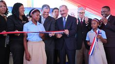 Presidente Danilo Medina entrega dos escuelas en Santo Domingo Norte; 1,225 estudiantes de El Higüero van a Tanda Extendida