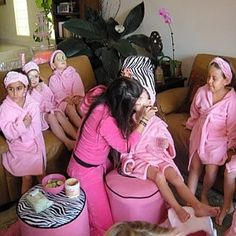 Girls Spa Birthday Party Ideas. Can't wait to do this with Kinslee