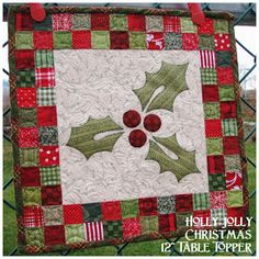 """Such a Sew and Sew: Holly Jolly Christmas 12"""" Table Topper Tutorial"""