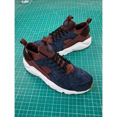 d9f1ecbb8bd33 Nike Air Huarache Ultra Id Wallace Four Generations Vintage Jogging Shoes  Navy Coffee Color 829669-668